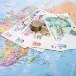 כמה דרכים משתלמות להצטייד במטבע זר לטיול, ומה לעשות עם העודף שנישאר בסוף